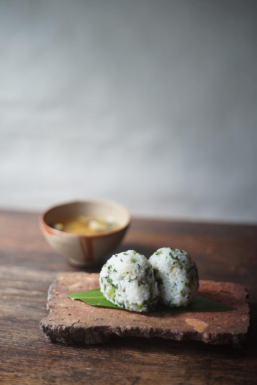 備前台付陶片長方皿 Takahiro Hosokawa -菜飯のおむすび-