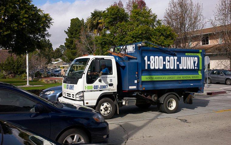 1-800-Got-Junk truck