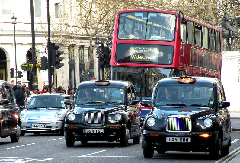 What Are the Best and Worst Places to Get a Taxi in the UK? (Infographic)