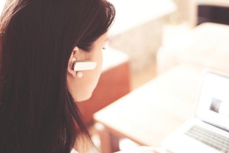 Virtual receptionist on the job