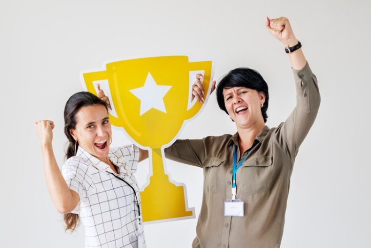 Employee recognition by giving awards
