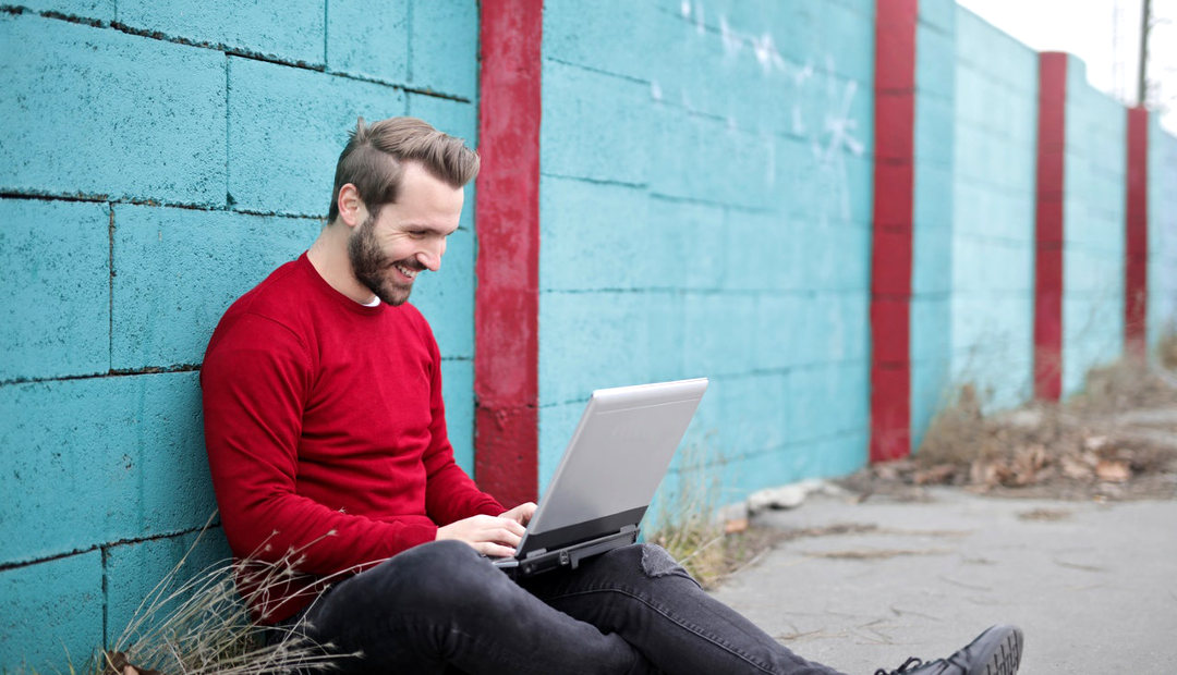 8 Tips on How to Start Your Own Online Business