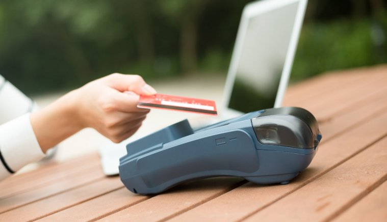 Make Your Own Work Schedule With a Career in Credit Card Processing
