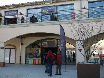 "Sediul Oficiului de Turism ""Terres du Lauragais"", parte integrantă din Nailloux Outlet Village"