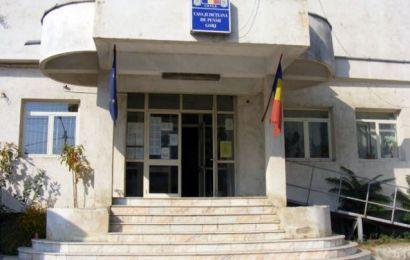 Directorul Casei de Pensii Gorj vrea toaletă publică lângă instituție