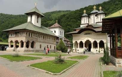 Mânăstirea Lainici – mireasa din Defileul Jiului