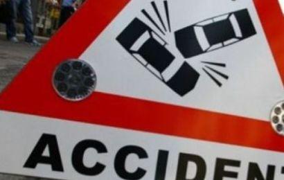 Șoferiță neatentă a băgat doi tineri în spital