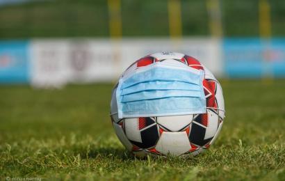 Fotbaliști, întorși din drum de COVID!