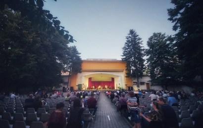 """Spectacole în aer liber, la Teatrul de Vară """" Nelu Dumitru """""""