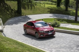fiat-tipo_sedan-42_1800x1800