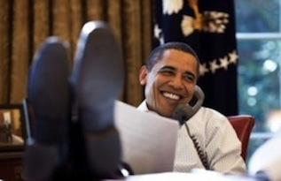 obama-foot-on-desk-5-e1378074347474