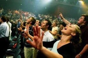 evangelicals worshiping