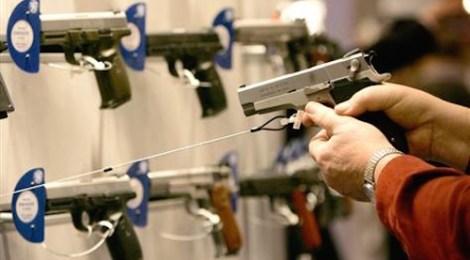 handguns-on-display