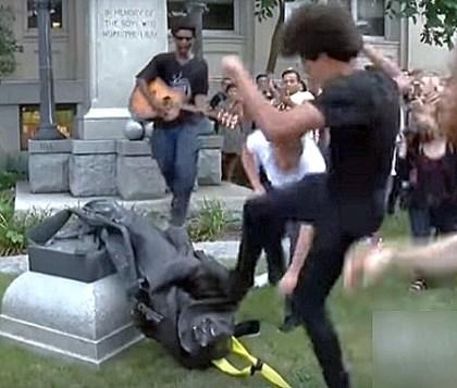 antifa protesters tear down confederate statue