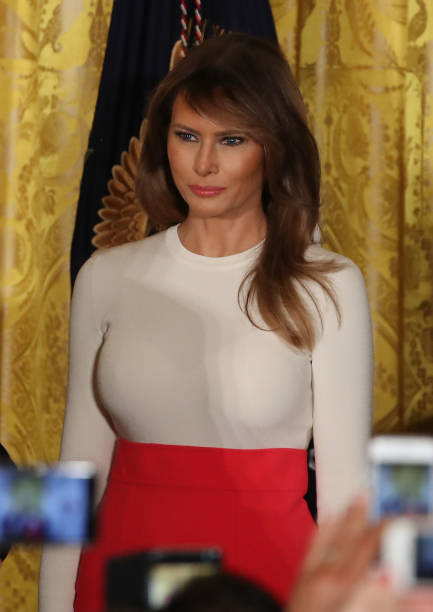 Melania Trump steals the show with va-va-voom red skirt with snug ...