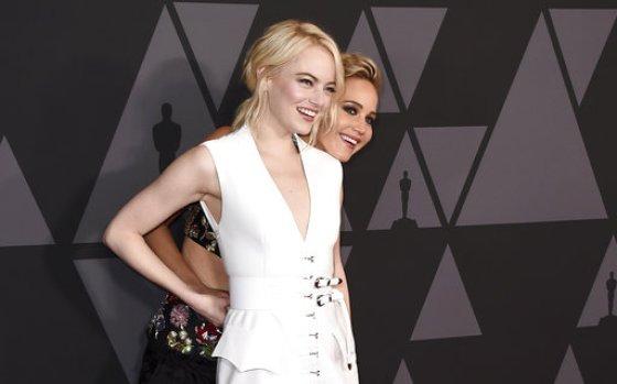 AP Emma Stone, Jennifer Lawrence