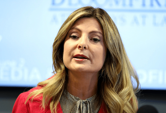 Lisa Bloom tried to solicit cash from media for Trump accusers