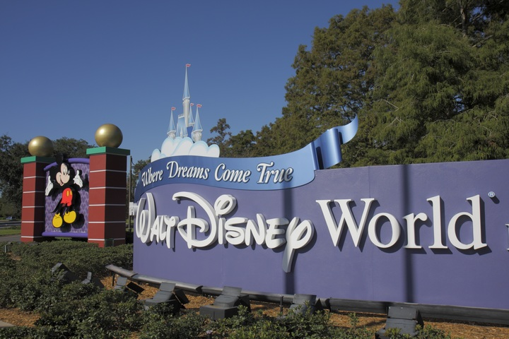Some Disney World resorts change 'Do Not Disturb' signs