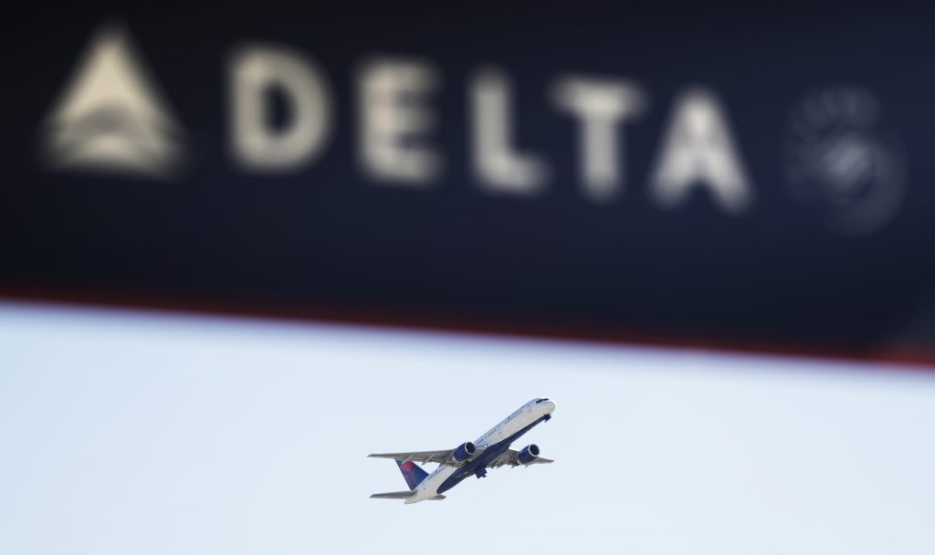 Delta thanked by mum for removing foul-mouthed woman from flight
