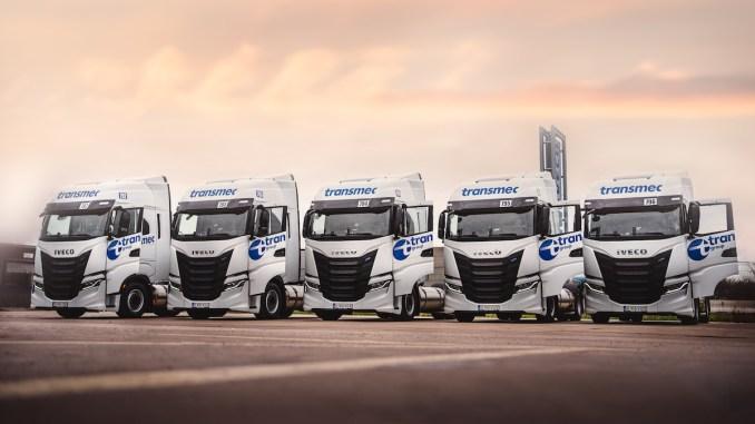 Flota de camioane alimentate cu combustibil alternativ. FOTO Tudor Communication