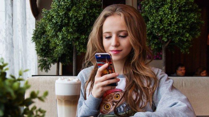 Noutăți pentru Telefonie mobilă. FOTO nastya_gepp