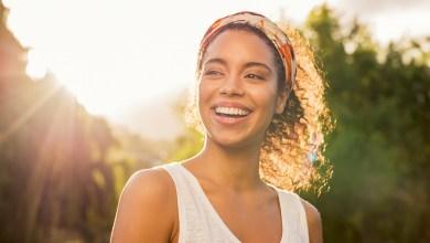 ผู้หญิงยิ้ม