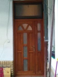 ajtócsere a Józsefvárosban