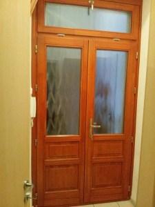 kétszárnyú ajtó csere