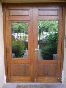 Mocsárosdűlő fa bejárati ajtócsere