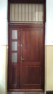 Aranyhegy-Ürömhegy-Péterhegy fa bejárati ajtócsere