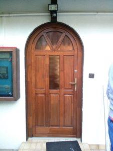 Csatárka fa bejárati ajtócsere