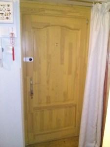 Kelenvölgy fa bejárati ajtócsere