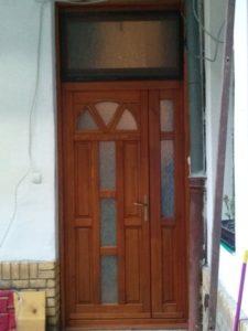 Középső-Ferencváros fa bejárati ajtócsere