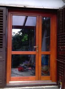 Krisztinaváros fa bejárati ajtócsere