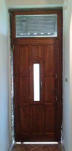 Magasút fa bejárati ajtócsere