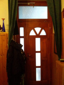 Törökőr fa bejárati ajtócsere