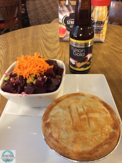 Irish pie mit Rote Beete Salat