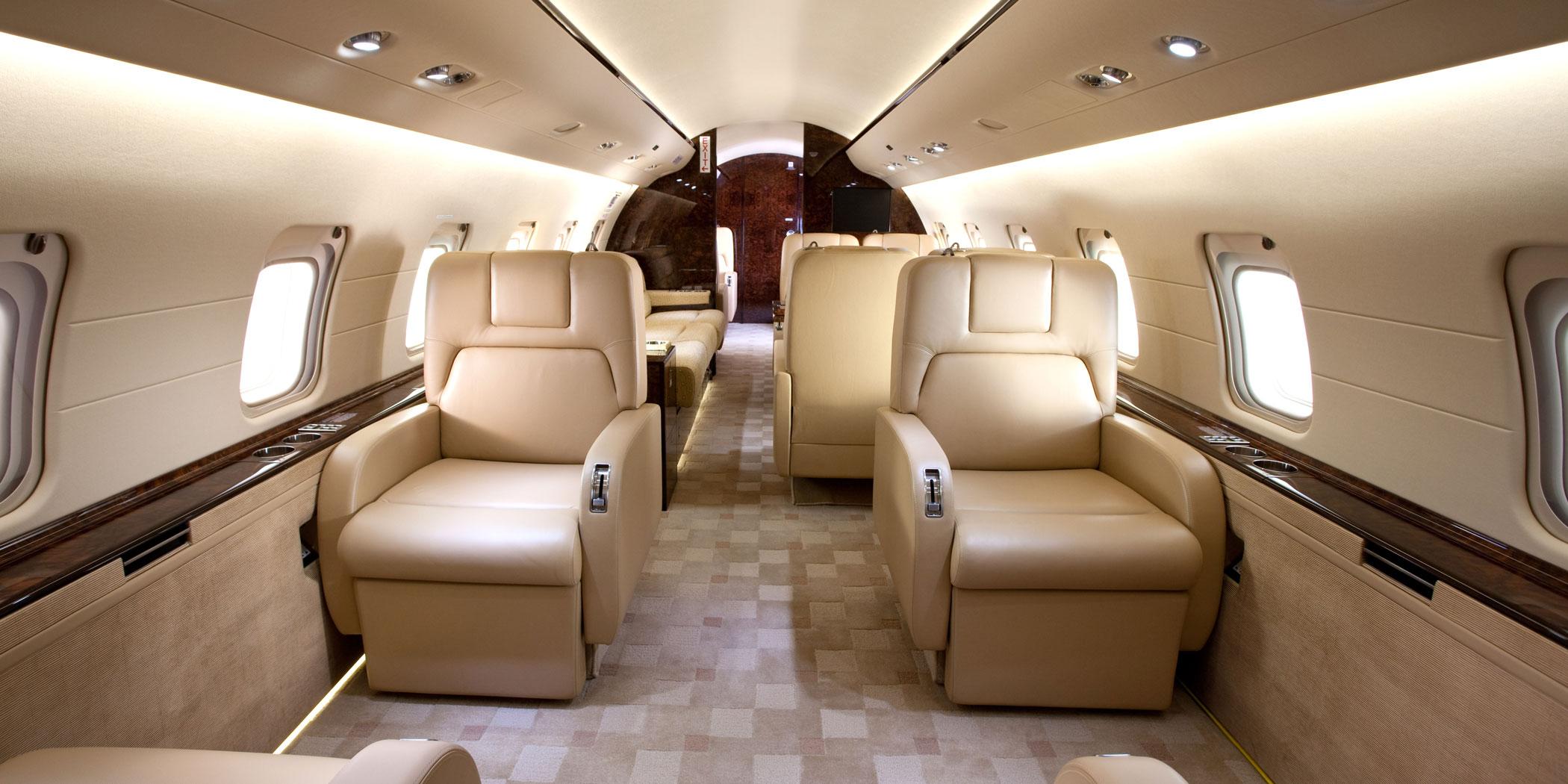 Bombardier Challenger 850 Business Jet Traveler