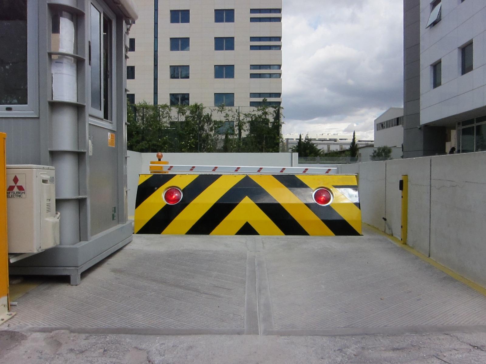 Zapora drogowa blokada antyterrorystyczna