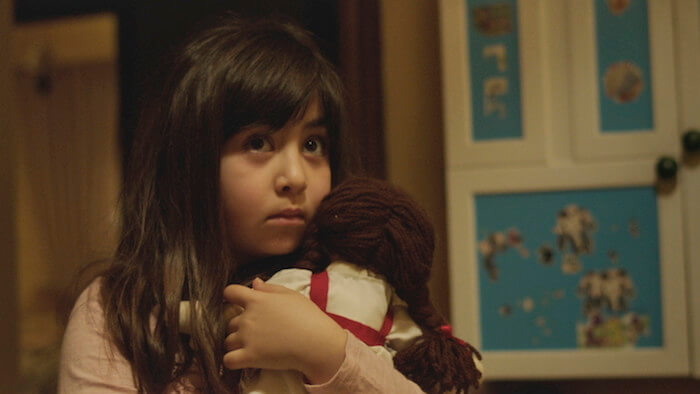 Bilderesultat for under the shadow movie pics