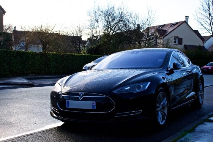 Tesla Rue 003