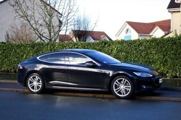 Tesla Rue 009