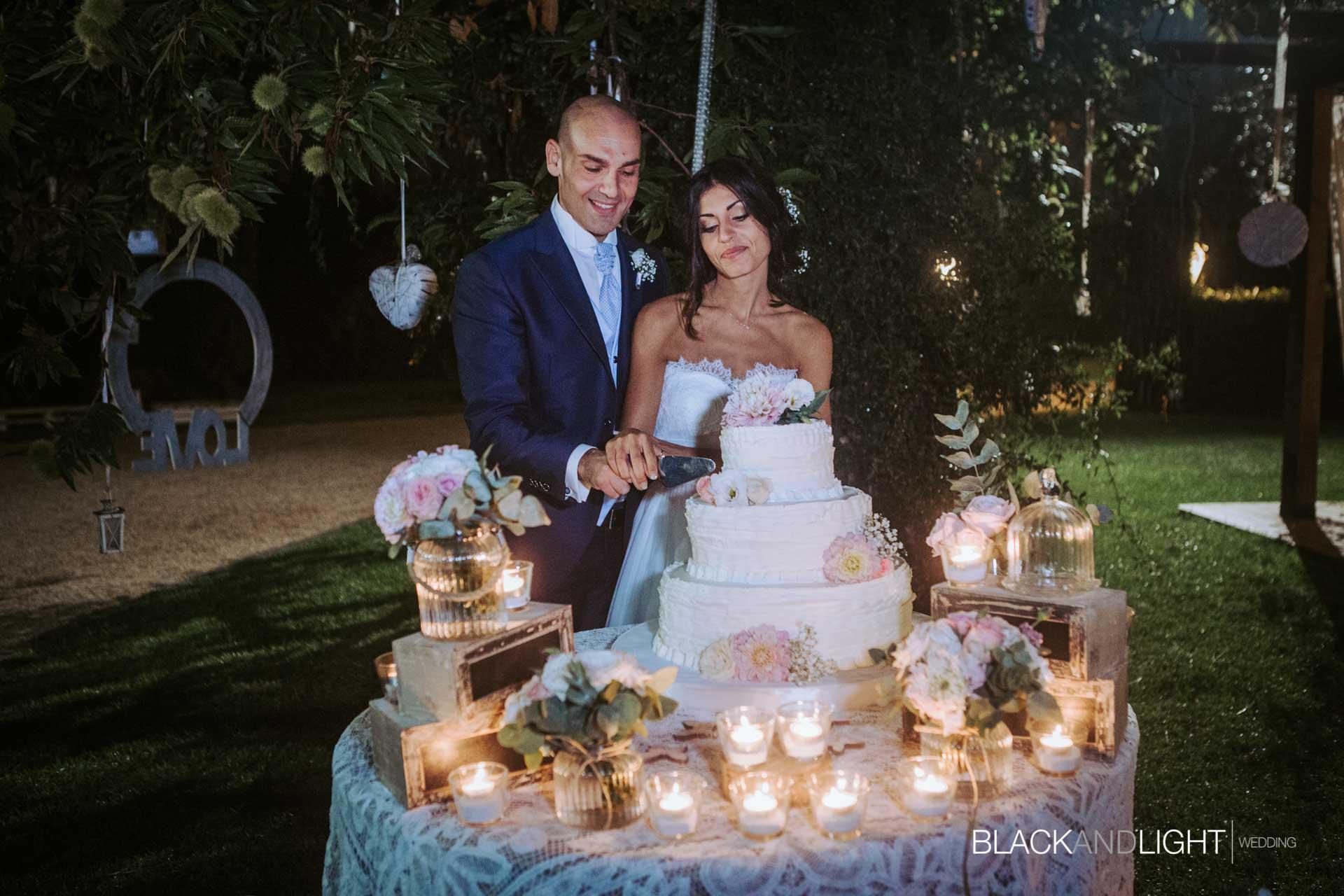 Taglio Torta Matrimonio Vecchio Podere