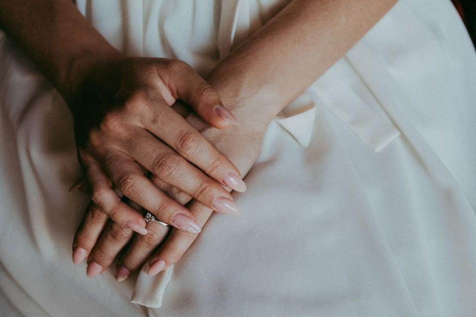 Dettaglio mani