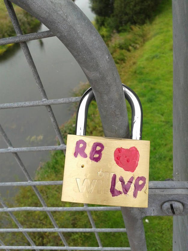 """The start of Chippenham's very own """"Love Lock"""" bridge"""