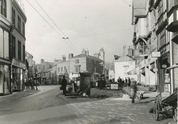 holywell-street