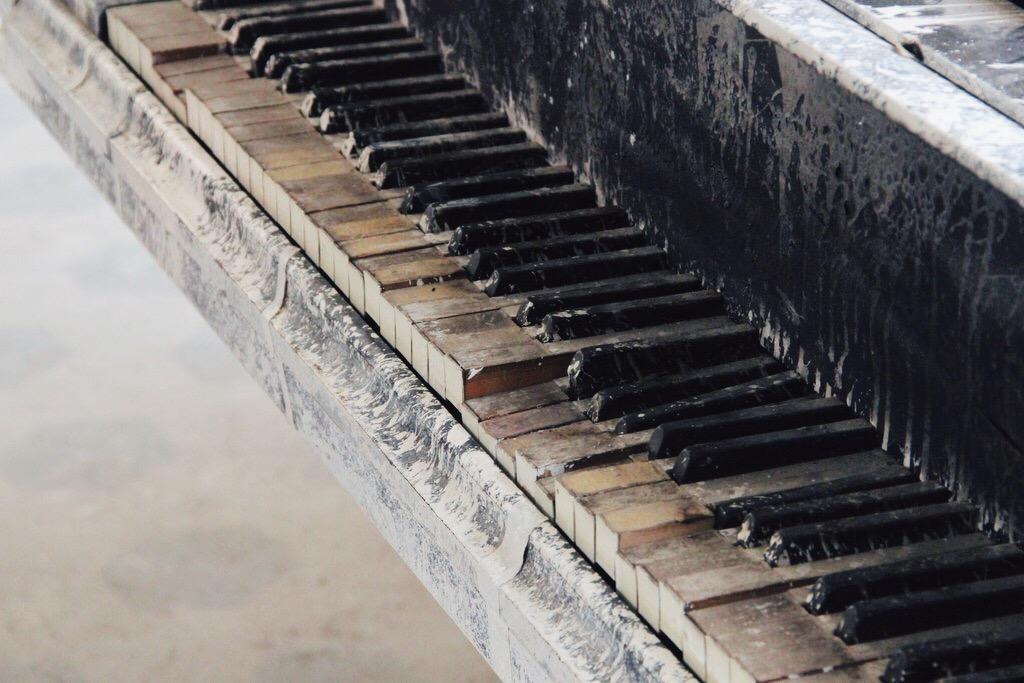 Beelitz Heilstaetten piano Meret Becker