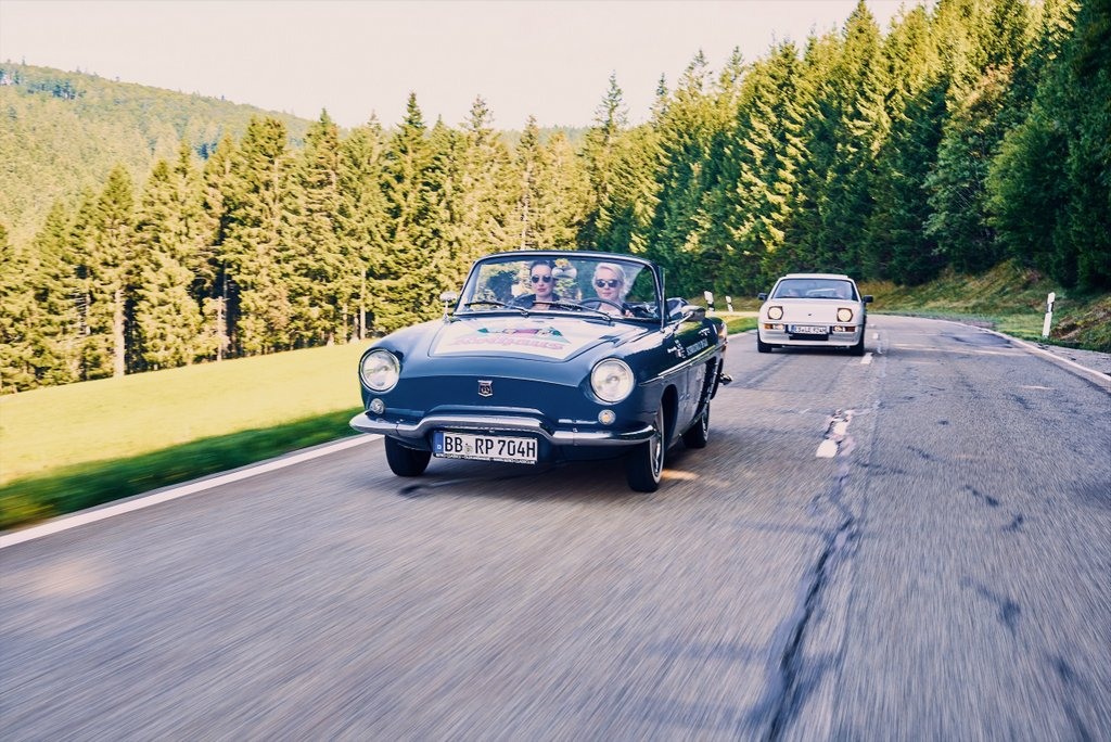 """Black Forest Classic 5 Renault Florida """"width ="""" 1024 """"height ="""" 684 """"srcset ="""" https://www.blackdotswhitespots.com/bdws/wp-content/uploads/2019/08/Blackwood-Classic-5 -Renault-Floride.jpg 1024w, https://www.blackdotswhitespots.com/bdws/wp-content/uploads/2019/08/Blackwood-Classic-5-Renault-Floride-500x334.jpg 500w, https: // www .blackdotswhitespots.com / bdws / wp-content / uploads / 2019/08 / Black Forest-Classic-5-Renault-Floride-768x513.jpg 768w, https://www.blackdotswhitespots.com/bdws/wp-content/uploads/ 2019/08 / Black Forest-Classic-5-Renault-Floride-300x200.jpg 300w, https://www.blackdotswhitespots.com/bdws/wp-content/uploads/2019/08/Blackwood-Classic-5-Renault-Floride -330x220.jpg 330w, https://www.blackdotswhitespots.com/bdws/wp-content/uploads/2019/08/Blackwood-Classic-5-Renault-Floride-296x197.jpg 296w, https: //www.blackdotswhitespots .com / bdws / wp-content / uploads / 2019/08 / Black Forest-Classic-5-Renault-Floride-690x461.jpg 690w, https://www.blackdotswhitespots.com/bdws/wp-content/uploads/2019/ 0 8 / Schwarzwald-Classic-5-Renault-Floride-868x580.jpg 868w """"sizes ="""" (max-breedte: 1024px) 100vw, 1024px """"/></p data-recalc-dims="""