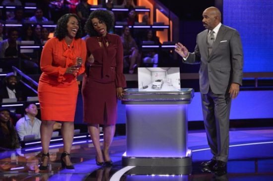 """STEVE HARVEY'S FUNDERDOME - """"Episode 105"""" - The seed-funding competition reality series """"Steve Harvey's FUNDERDOME"""" featuring two aspiring inventors going head-to-head to win over a live studio audience to fund their ideas, products or companies airs SUNDAY, AUGUST 13 (9:00-10:00 p.m. EDT), on The ABC Television Network. (ABC/Lisa Rose) MARCIA PRUITTE-COLEMAN, MARLA PRUITTE (PINK RUBBER TIRES), STEVE HARVEY"""
