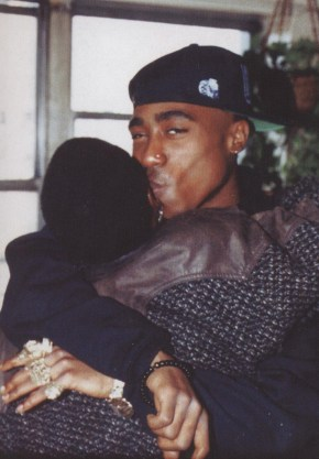 tupac-kissing-his-mom-afeni-shakur